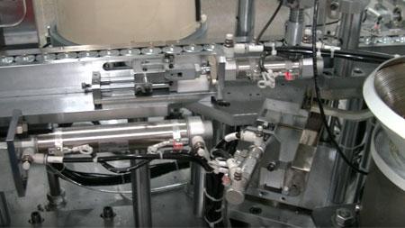 微型电机磁石组装设备-特写图.jpg