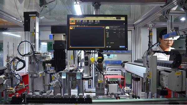 第四条汽车水泵电机自动化设备送货到客户工厂